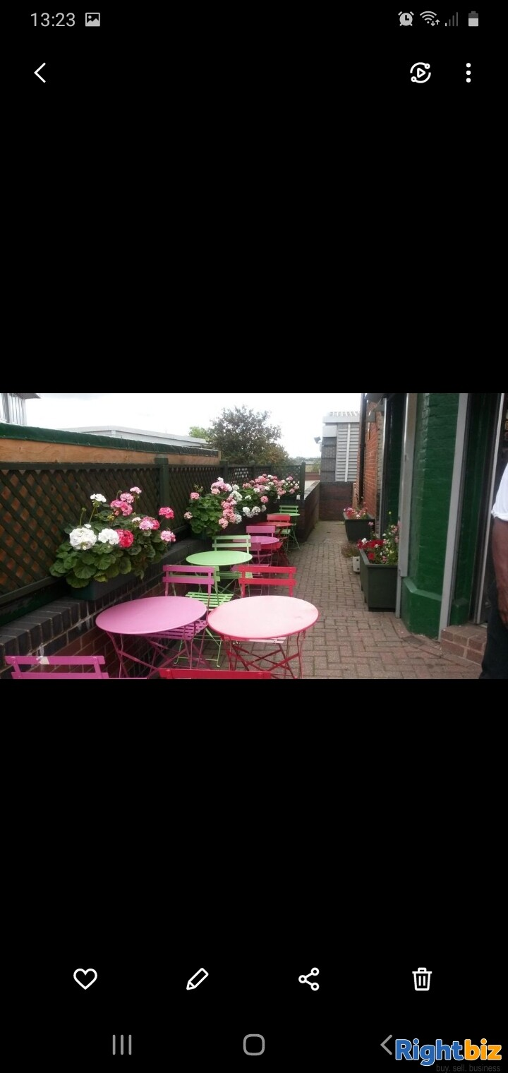 Leasehold sandwich bar for sale in Northwest London - Image 2