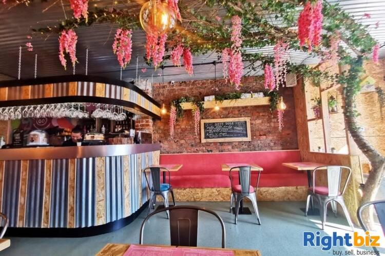 Popular Restaurant & Bar - Liverpool - Image 2