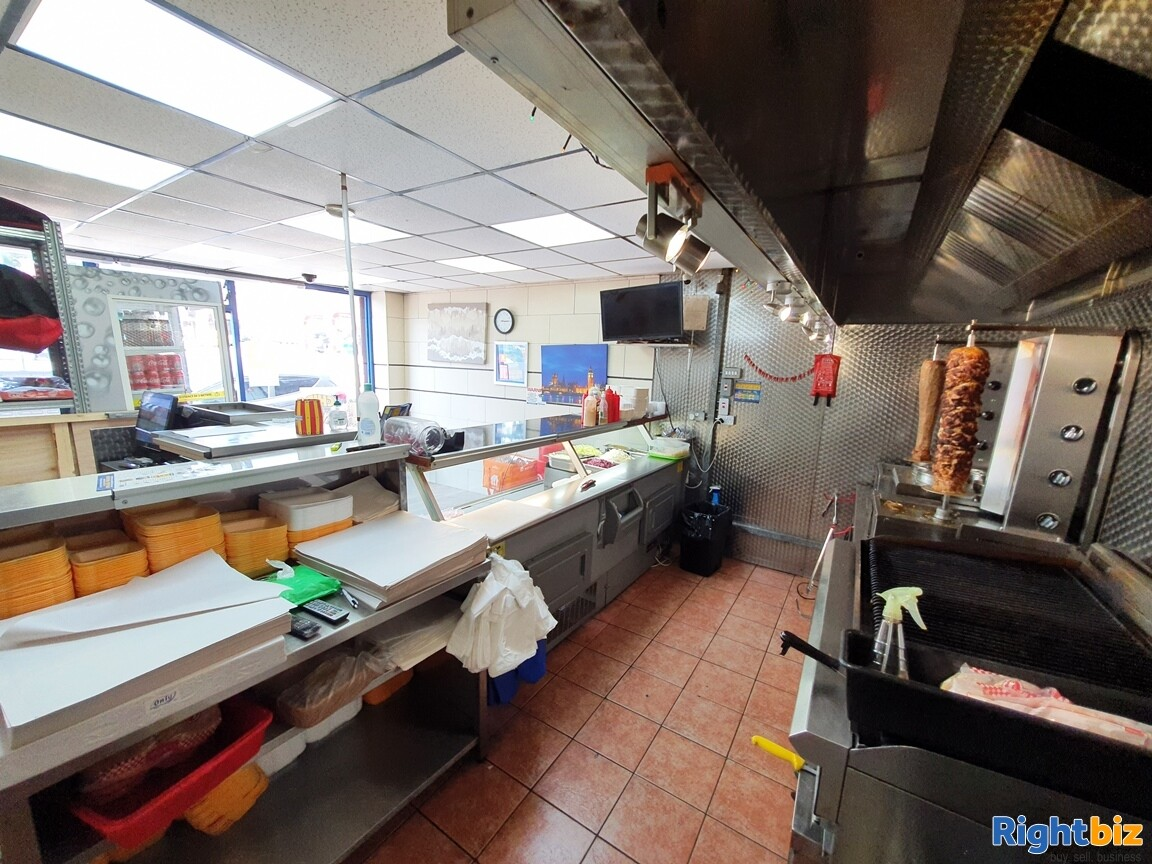 KEBAB – FASTFOOD A5 TAKEAWAY WITH ACCOMMODATION - TURNOVER £5,000 PER WEEK - Image 2