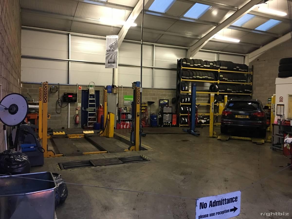 MOT STATION.CAR GARAGE /WORKSHOP.VEHICLE REPAIRS BUSINESS.BATHGATE.WESTLOTHIAN.SCOTLAND - Image 3