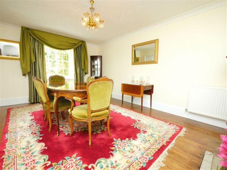 EXCEPTIONAL 5 EN SUITE LETTING ROOM GUEST HOUSE - WILTSHIRE - Image 3