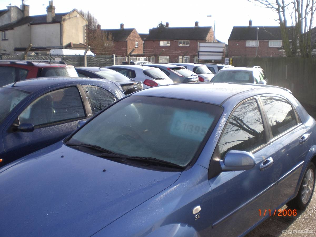 Car sales pitch, holds 25 plus cars, busy location, lucrative small site, high turnover. - Image 3