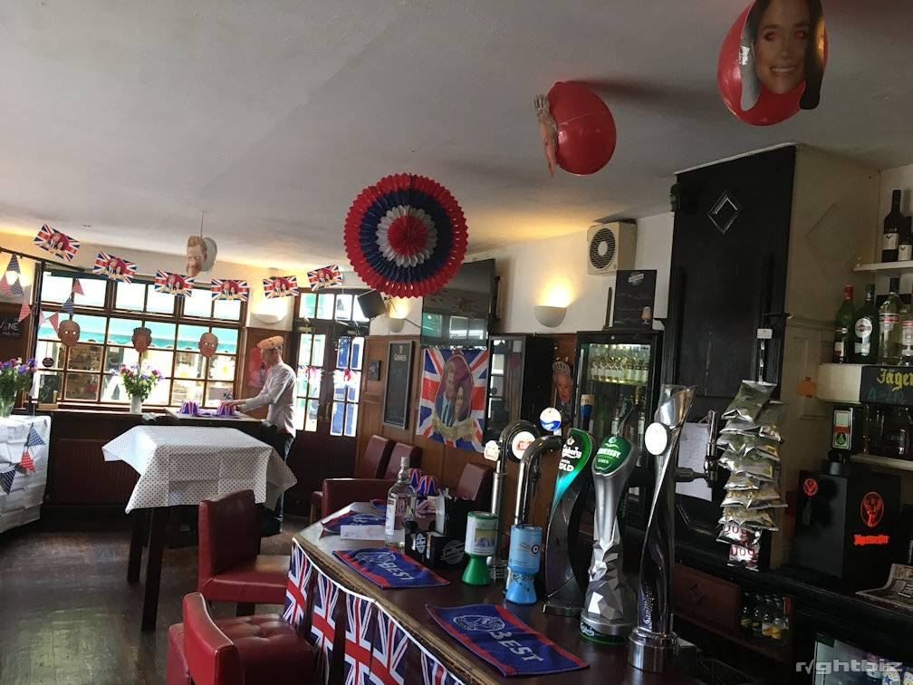FREEHOLD BAR WITH ACCOMMODATION - RAMSGATE, KENT - Image 3