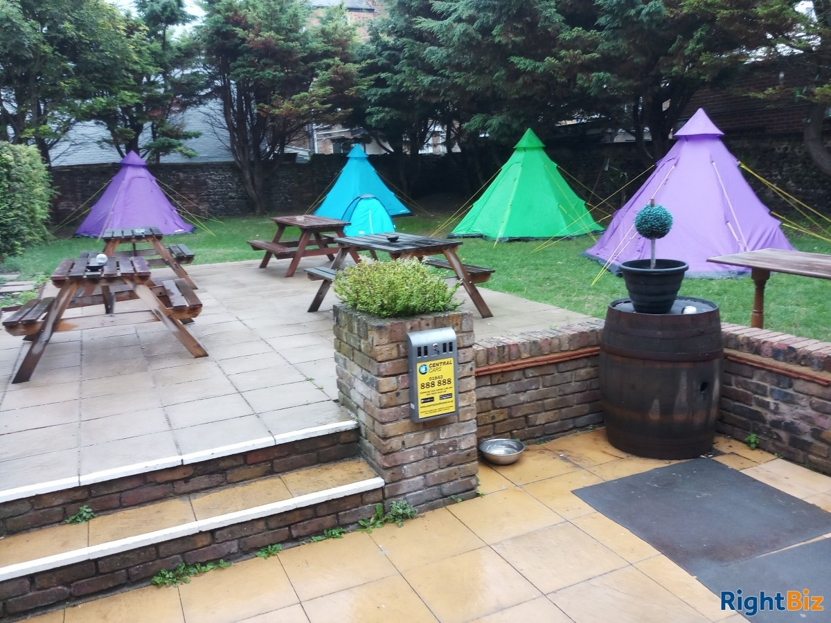 Large pub bed and breakfast and restaurant. Margate Kent. Situated on seafront . - Image 3