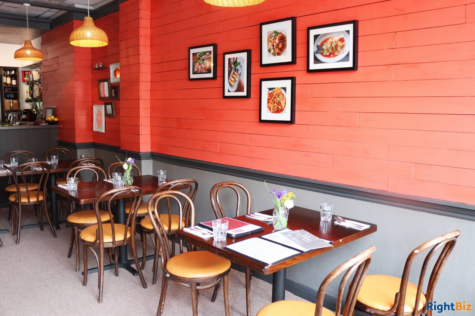 Thai restaurant for sale on high street and in the middle of residential area. - Image 3