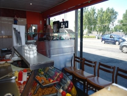 Well Established Hot Food Takeaway in Ideal Trading Location - Image 3