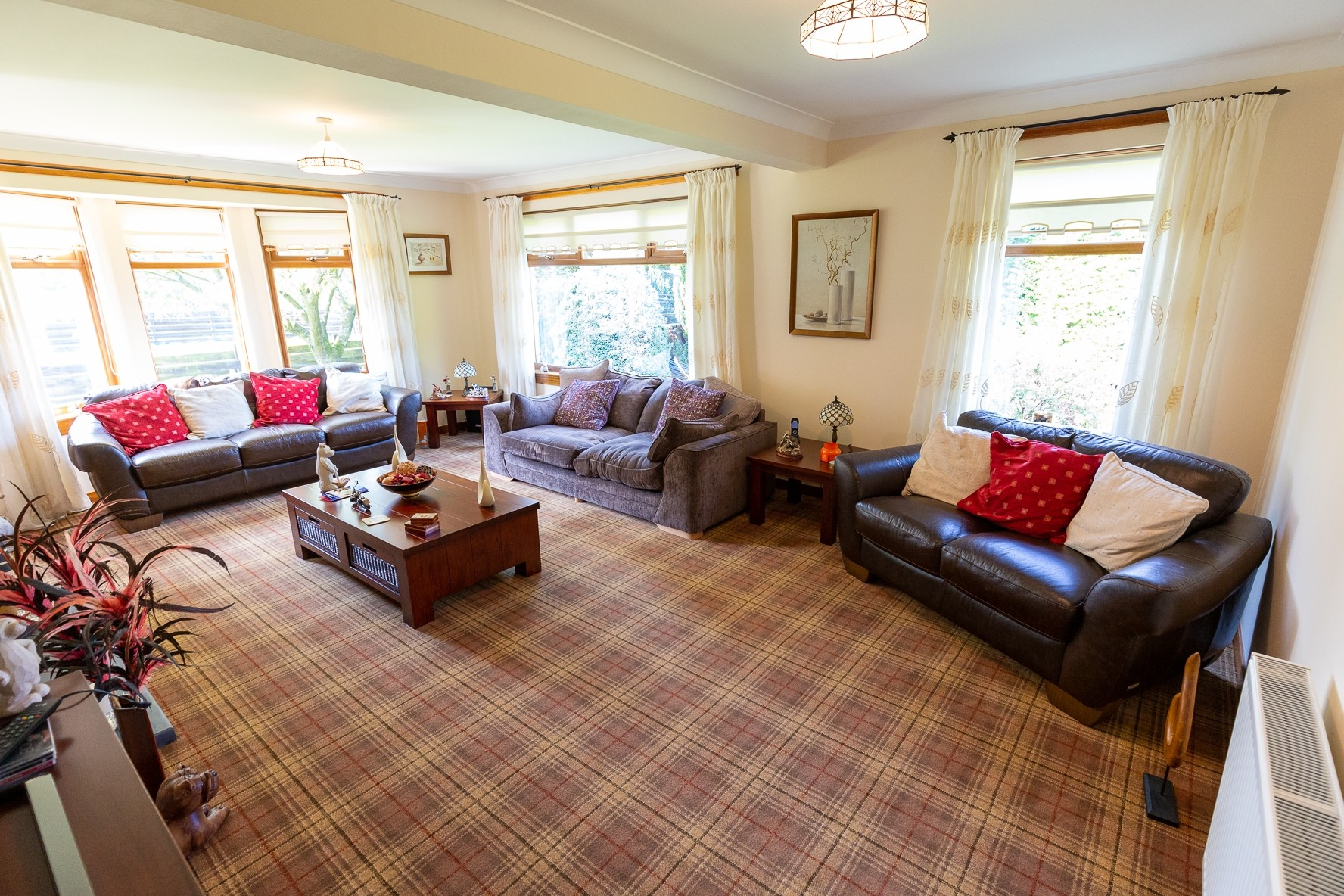 Profitable Boarding Kennels with Superb Family Home in 2.5 acres, Central Scotland - Image 3