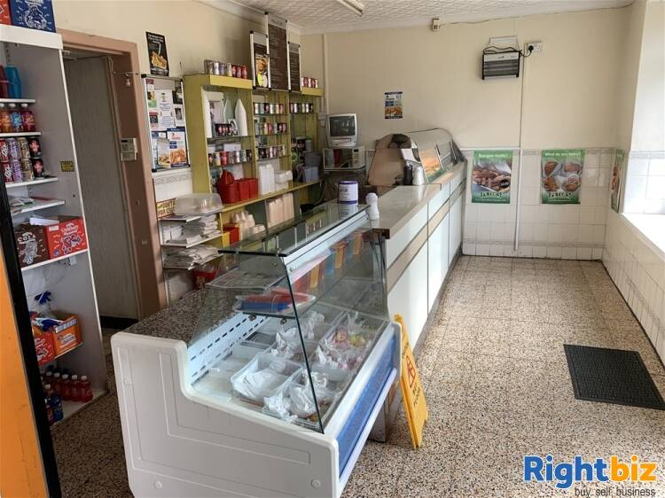 FREEHOLD VILLAGE FISH BAR WITH FAMILY HOME NEAR ABERDARE - Image 3