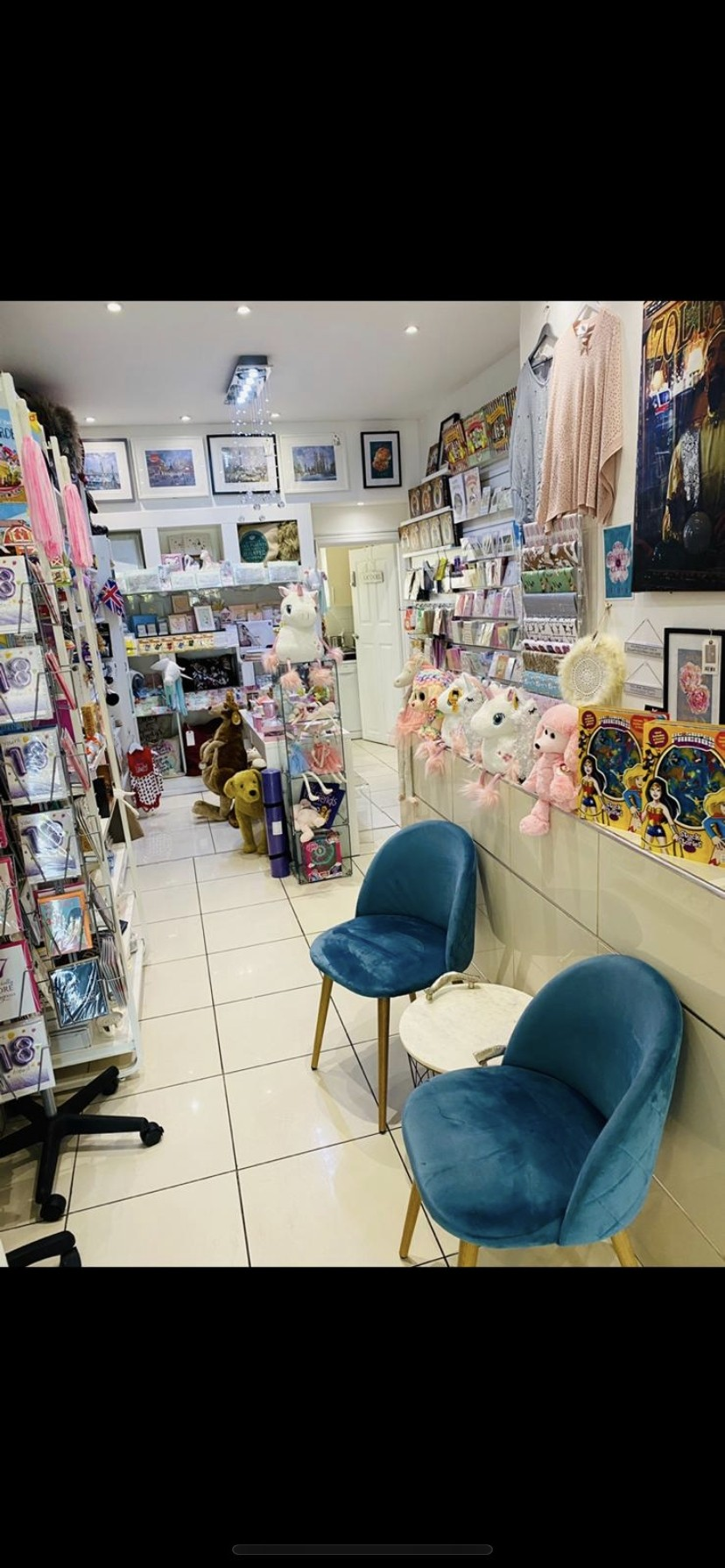 Cafe/Gifts shop in London - Image 3