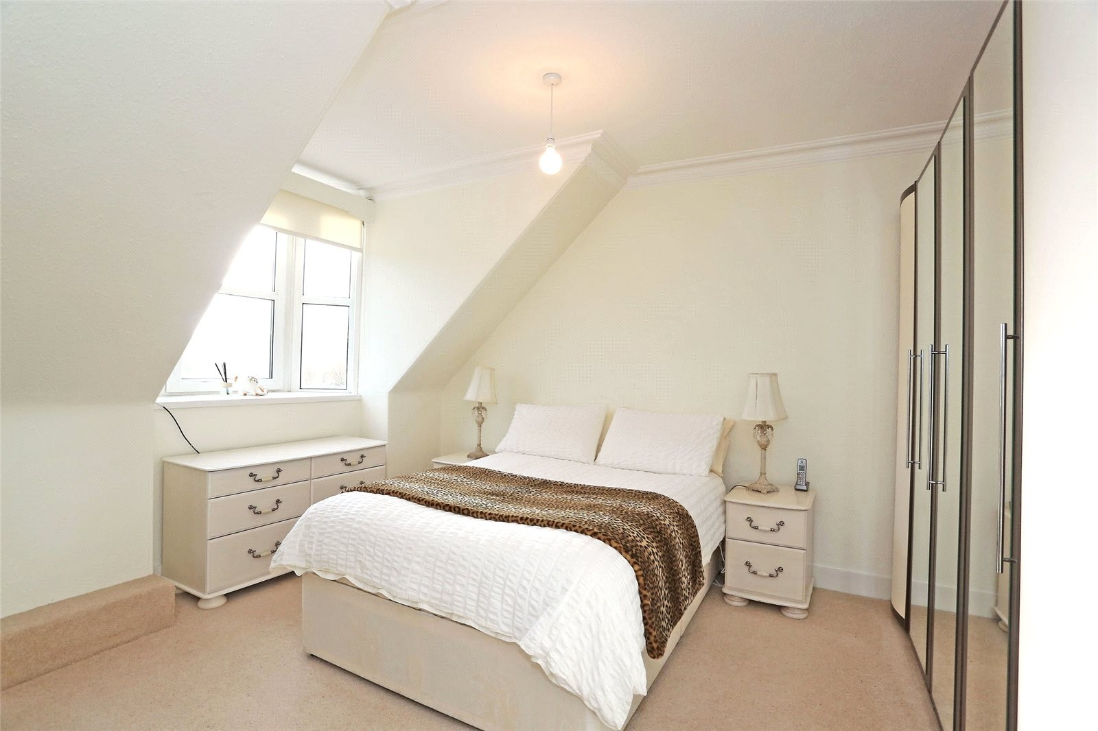 Guest House in the heart of Banchory with Airbnb Opportunity - Image 3