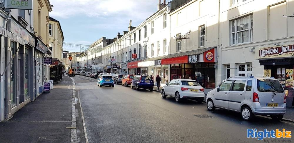 Prominent Former Restaurant &Takeaway Premises For Sale in Newton Abbot - Image 3
