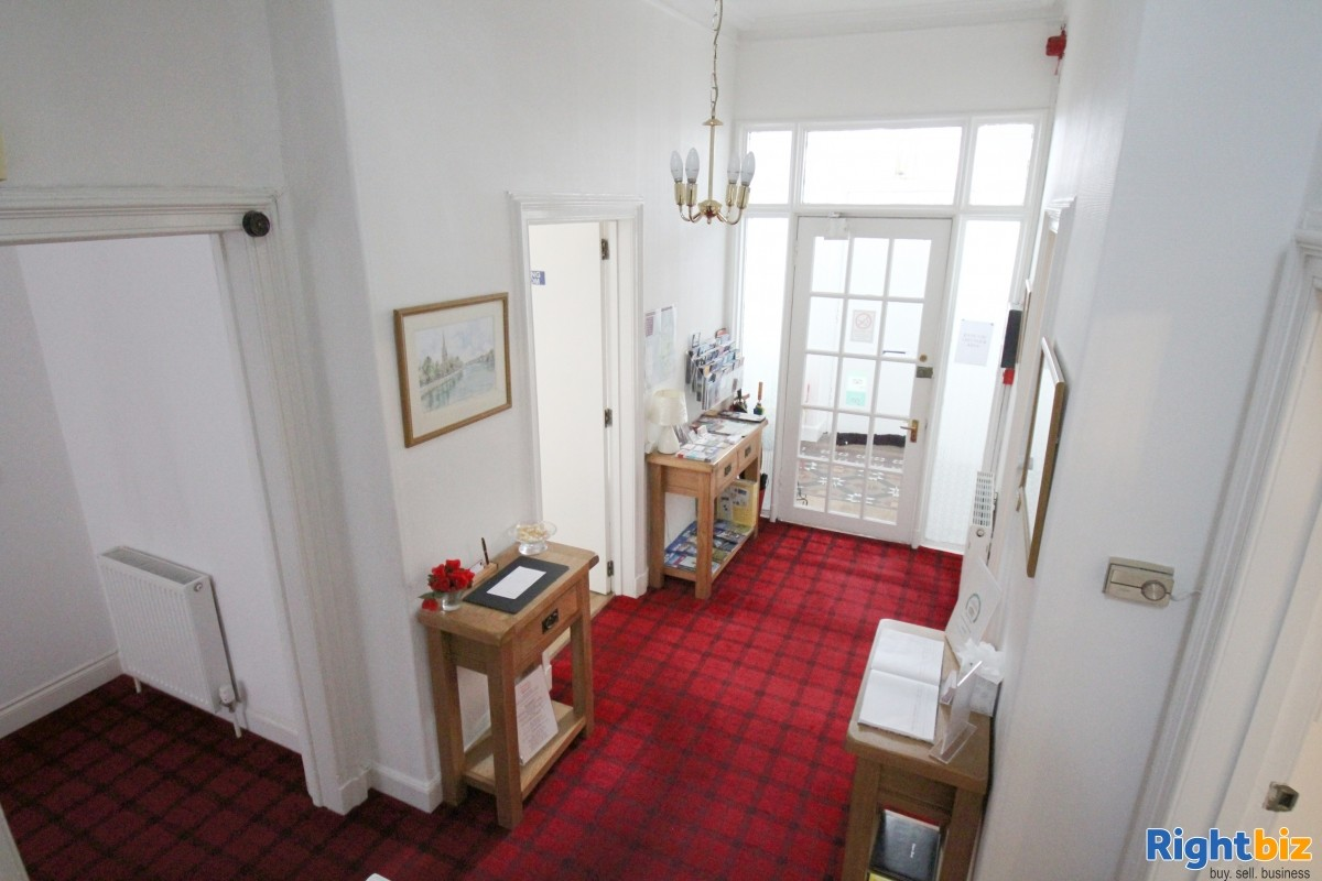 Popular Guest House in the Busy Tourist town of Perth, for Sale - Image 3