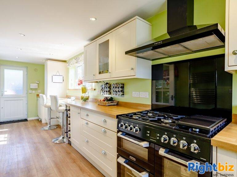 Beautiful Holiday Let Property in Wiltshire - Image 3