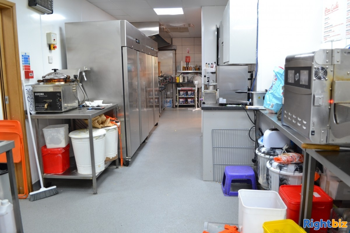 £7,000 + Per Week Fish and Chip Shop, prime location - Image 3