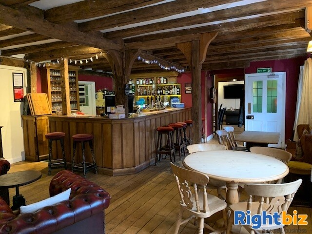 ESSEX - THRIVING VILLAGE LEASEHOLD PUB FOR SALE - Image 3