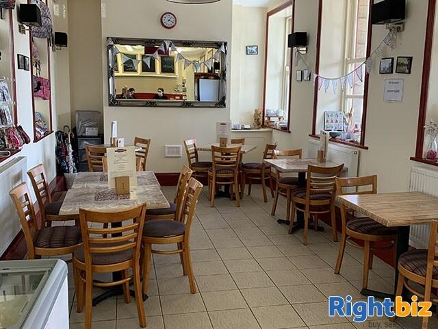 FANTASTIC WELL ESTABLISHED CAFE - LANCASHIRE - Image 3