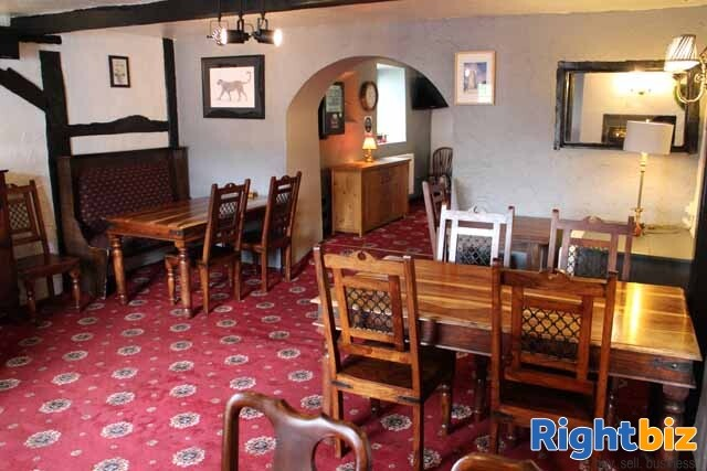 MID-WALES - historic town centre hotel in busy market town - Image 3