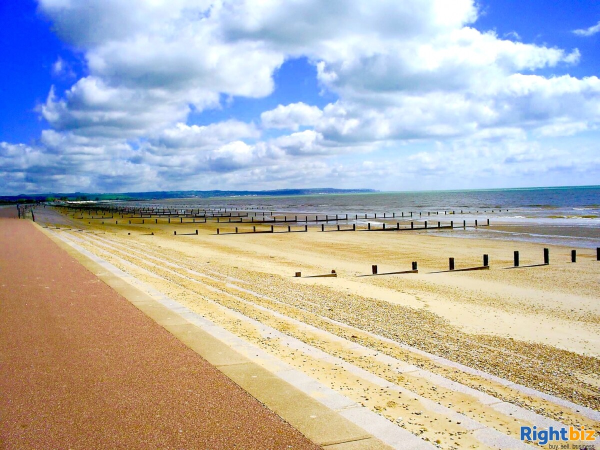 FREEHOLD ICE CREAM SHOP WITH 1 BED ACCOMMODATION FOR SALE DYMCHURCH KENT SOUTH COAST - Image 3