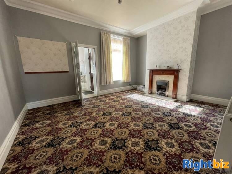 Vacant Unit For Sale in Huddersfield - Image 3