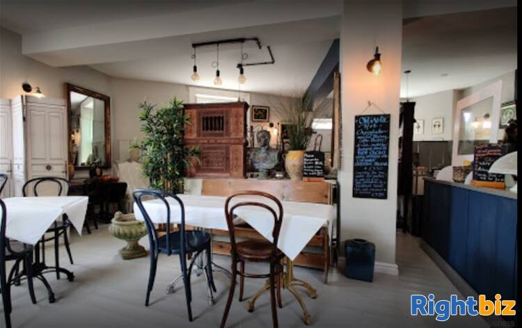 SUPERB COFFEE SHOP & WINE BAR WITH HUGE POTENTIAL IN CALNE/WILTS - Image 3
