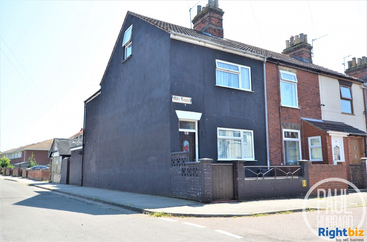 Unique Freehold - Hairdresser/Barbers with a spacious 4 bedroom Edwardian end-terraced house - Image 3