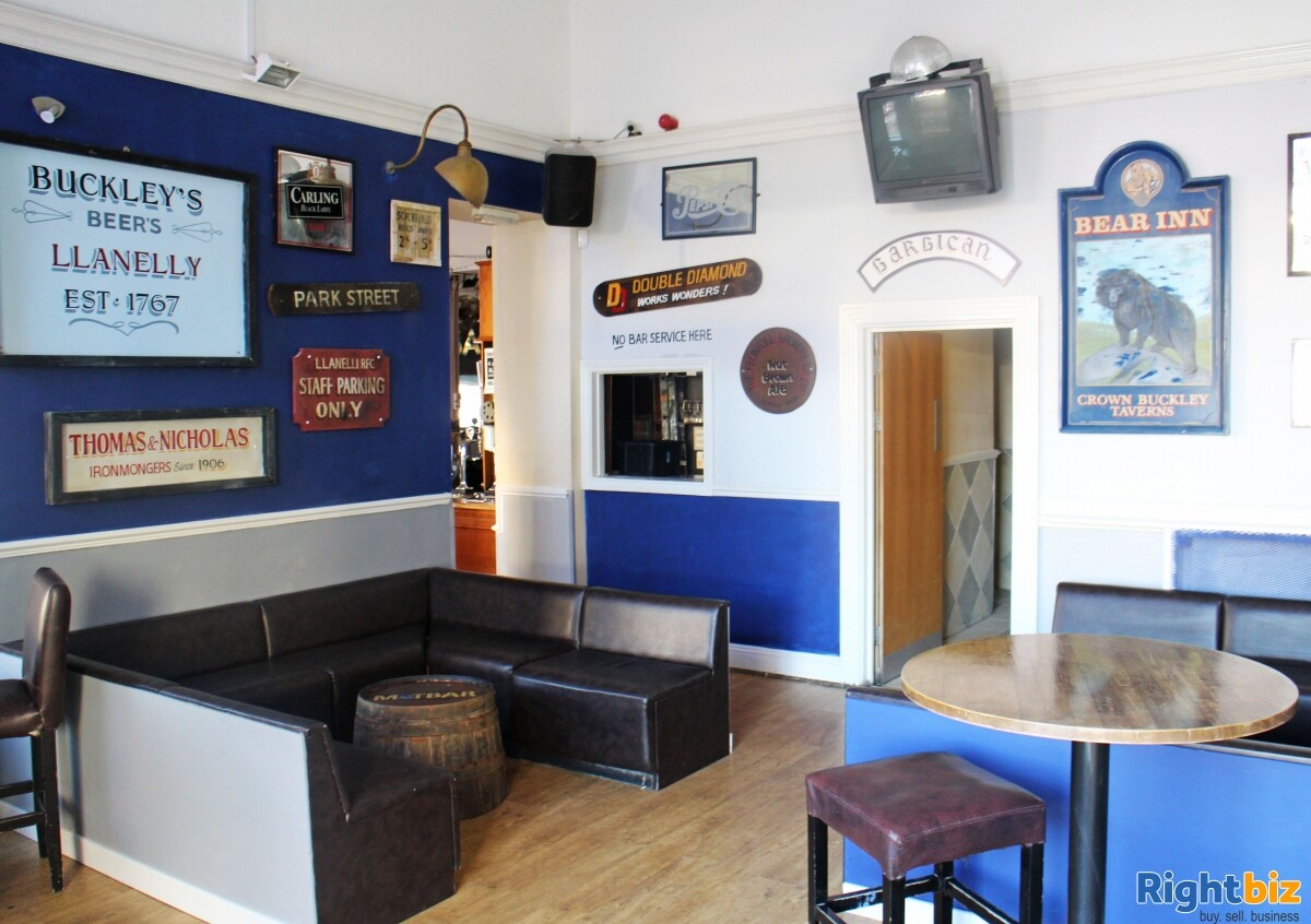 CARMARTHENSHIRE (LLANELLI) WELL ESTABLISHED AND HIGHLY PROFITABLE LATE NIGHT VENUE - Image 3