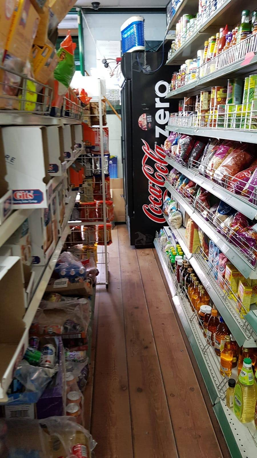 Convenient Store For sale in Northwood Leasehold  - Image 4