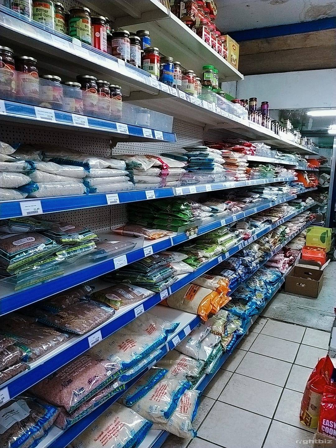 Well Established Off Licence & Grocery Shop in Prime Location With Accommodation - Image 4