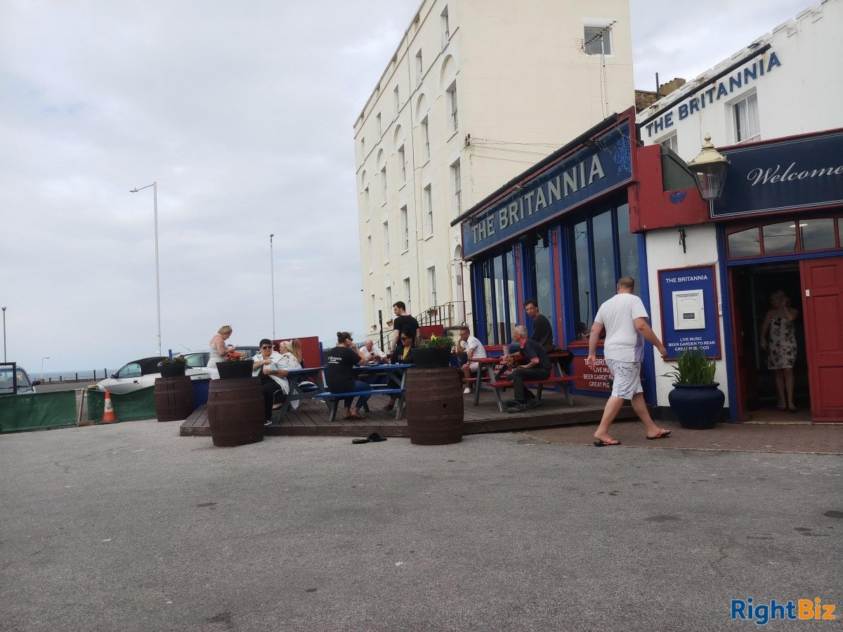 Large pub bed and breakfast and restaurant. Margate Kent. Situated on seafront . - Image 4