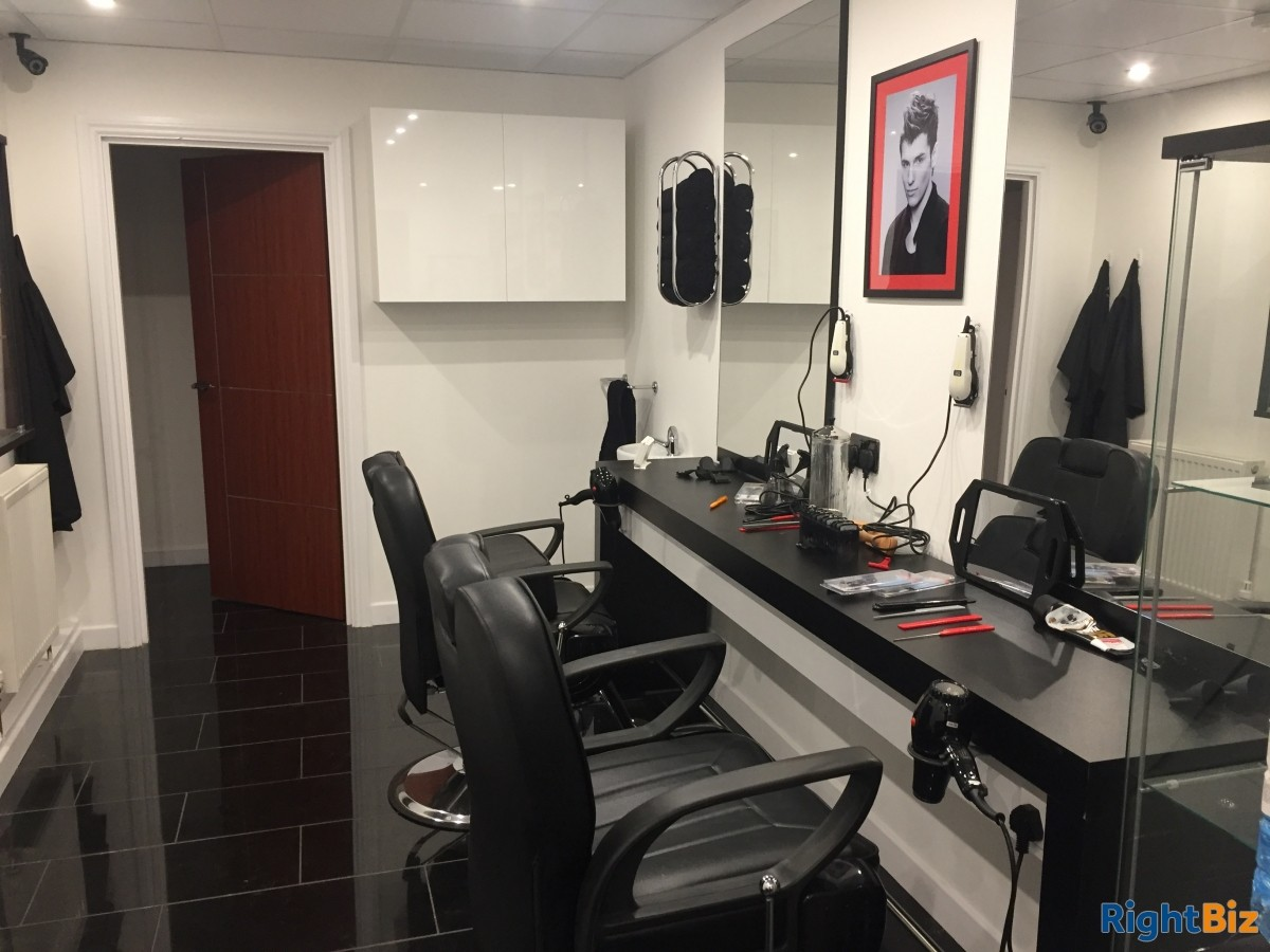 Hair Salon in Livingston for Lease in residential area - Image 4