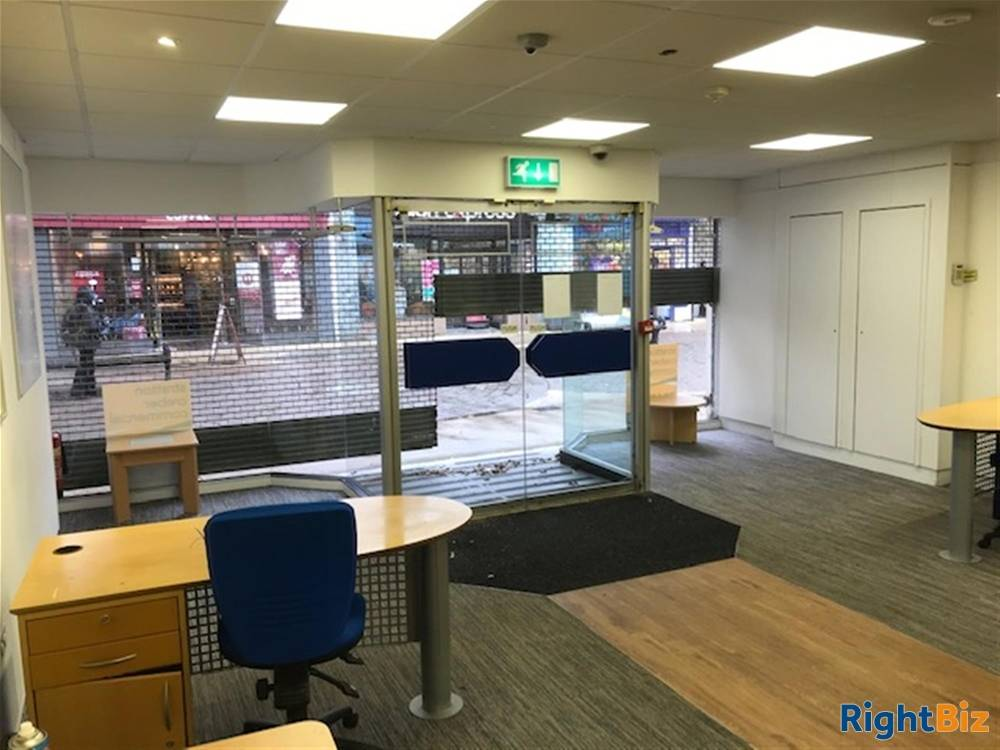 Primary Retail Trading Premises To Let For Sale in Newton Abbot - Image 4