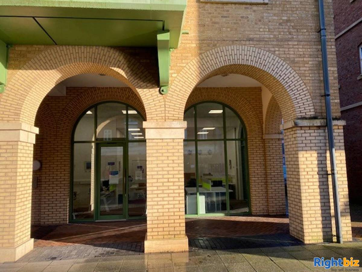Office For Rent Located In Dickens Heath - Image 4