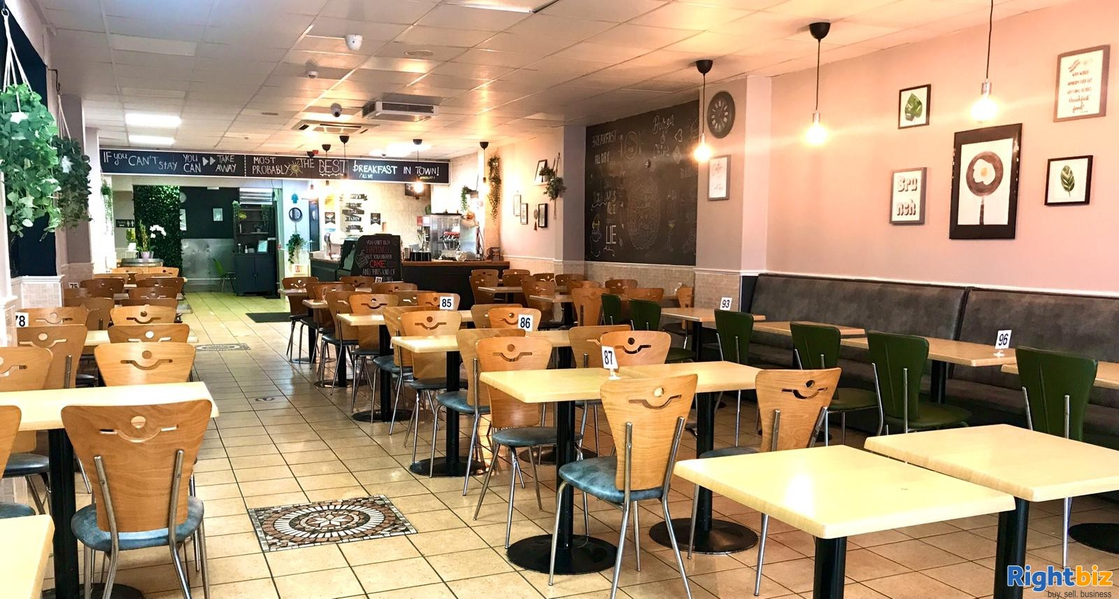 Busy Cafe/Restaurant for sale (120 seats), located on high street, with a large 2 bedroom flat - Image 4