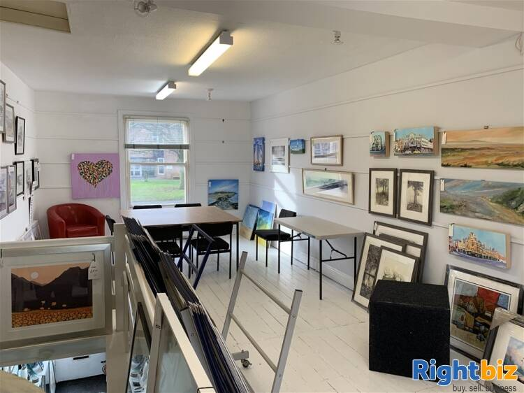 BESPOKE PICTURE FRAMING, CARD & GIFT SHOP IN HESWALL TOWN CENTRE - Image 4