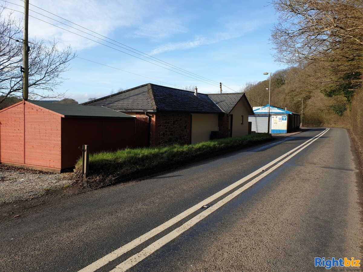 LARGE INDUSTRIAL UNIT & SITE. WITH PLANNING POTENTIAL. GARAGE / MOT CENTRE WITH OWNER ACCOMODATION - Image 4