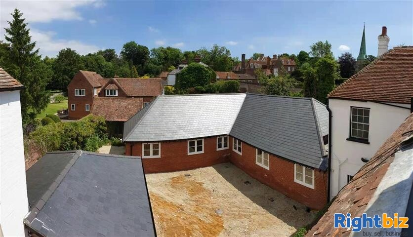 OPPORTUNITY TO PURCHASE AN IDEALLY LOCATED FREEHOLD PROPERTY - Image 4