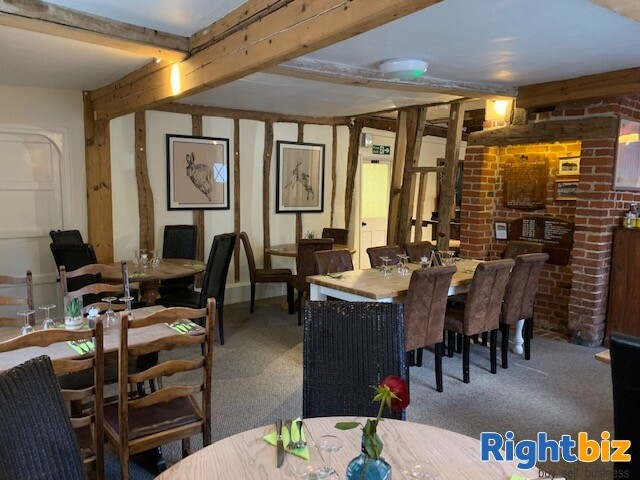 ESSEX - THRIVING VILLAGE LEASEHOLD PUB FOR SALE - Image 4
