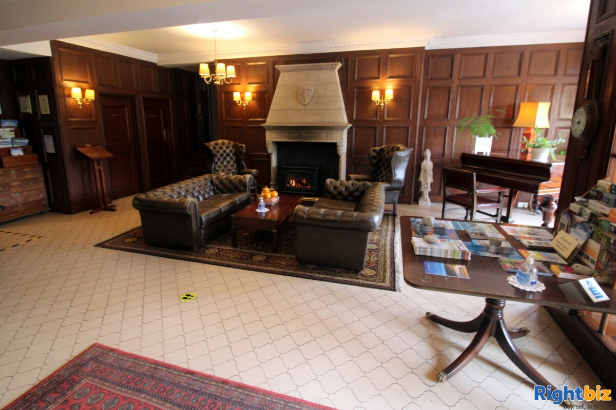 Spectacular 18-Bedroom Hotel within Beautiful Loch-Side Setting, near Oban - Image 4