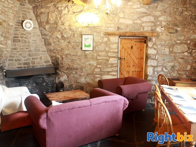 POWYS/DOVEY VALLEY - CHARACTER INN - Image 4