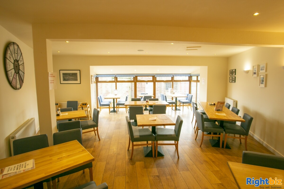 Immaculate Fish and Chip Restaurant for Lease - Image 4