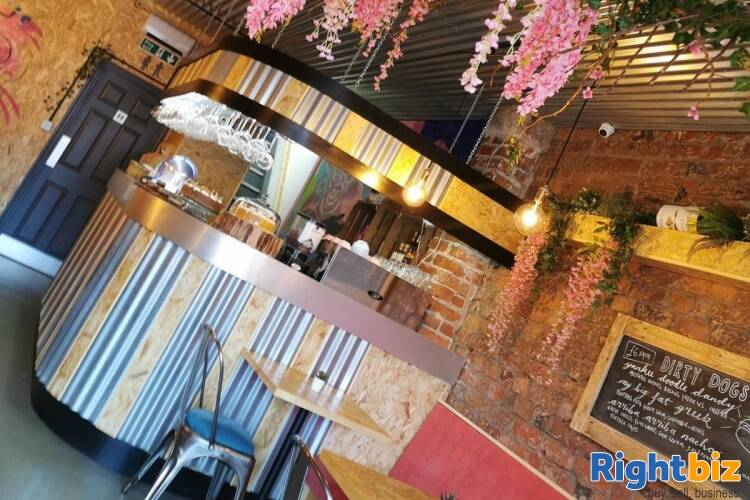 Popular Restaurant & Bar - Liverpool - Image 4