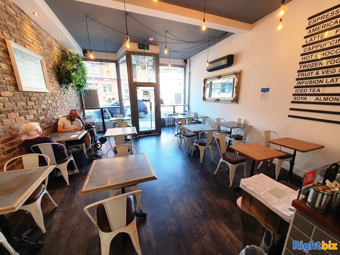 IMMACULATE TWO STOREY CAFÉ / BISTRO - A3 & ALCOHOL LICENCE - TURNOVER £5,000 PER WEEK - Image 4