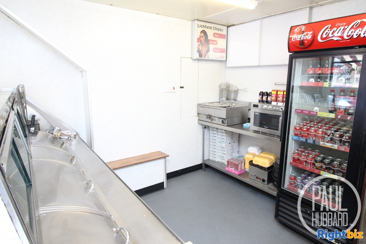 Freehold Fish & Chip Shop with 3 bedroom maisonette for sale in Great Yarmouth, Norfolk. - Image 4