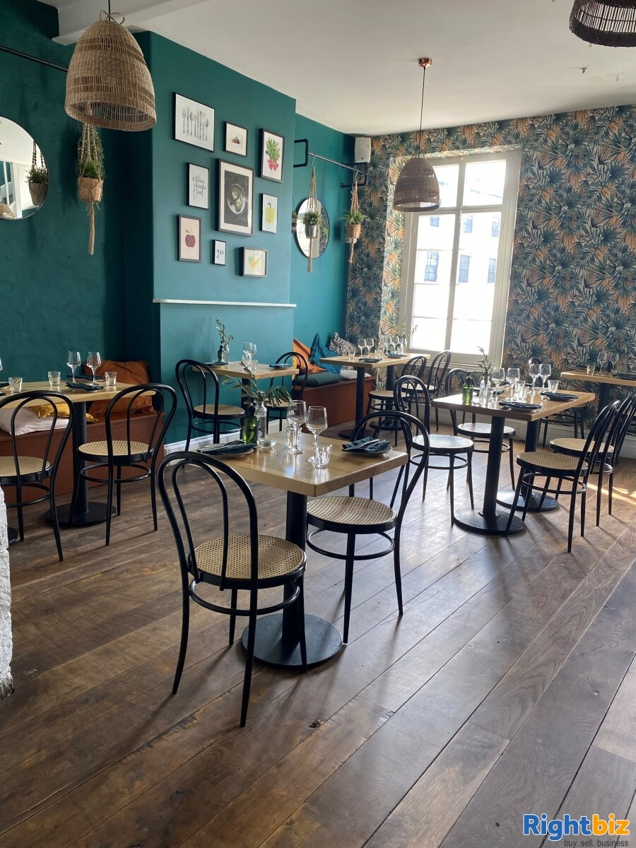 Superbly Presented  Restaurant For Sale in Frome - Image 4