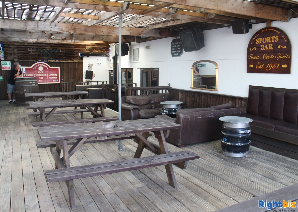 CARMARTHENSHIRE (LLANELLI) WELL ESTABLISHED AND HIGHLY PROFITABLE LATE NIGHT VENUE - Image 4