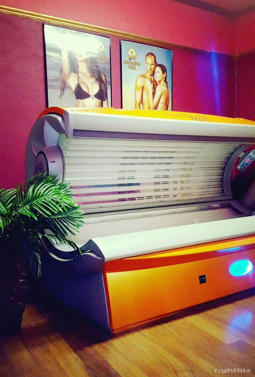 Gym with sunbed studio with low running costs. - Image 5