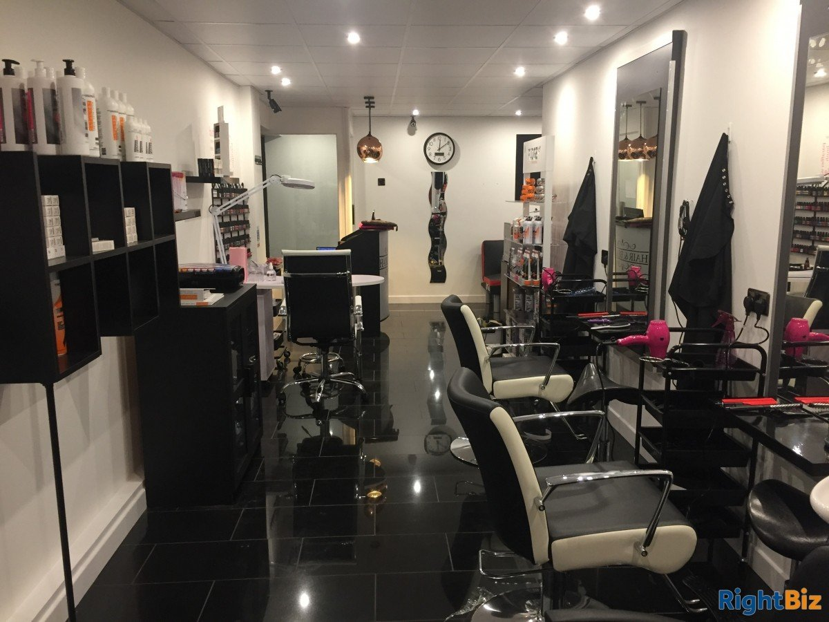 Hair Salon in Livingston for Lease in residential area - Image 5