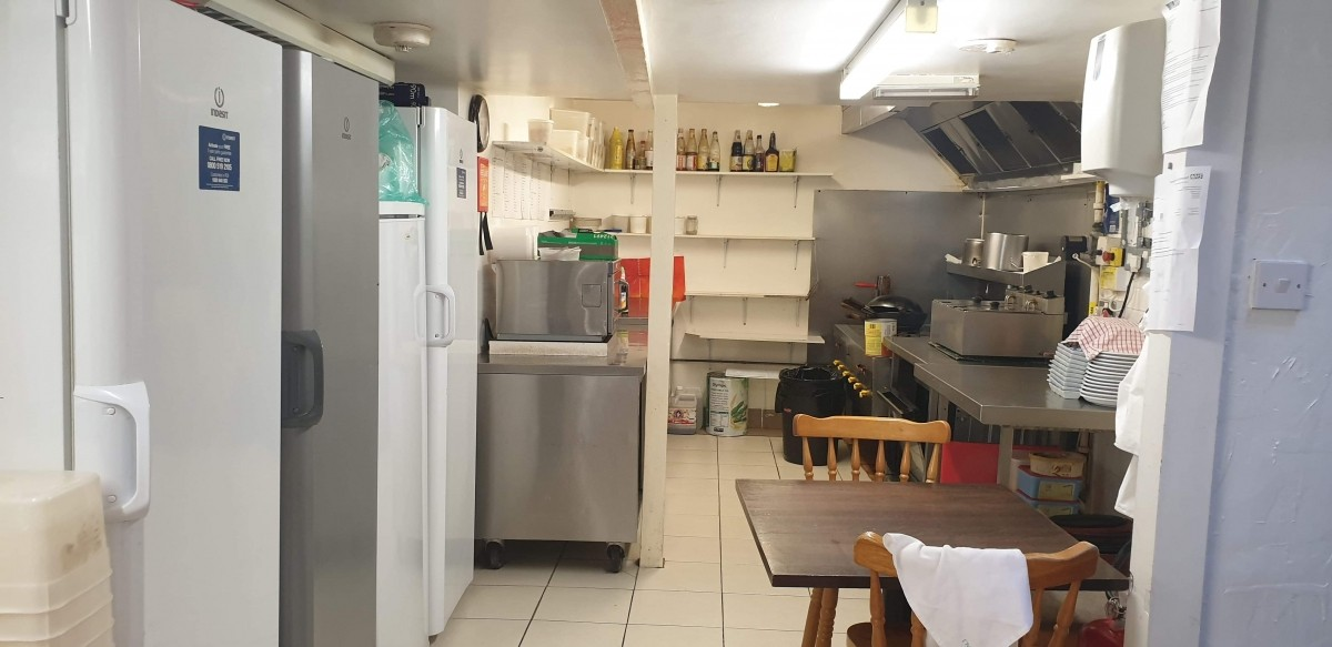 FULLY LICENSED THAI RESTAURANT WITH PRIVATE APARTMENT IN BRIDGWATER TOWN CENTRE - Image 5
