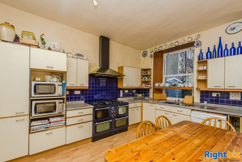 Charming Victorian Guest House for Sale in the Heart of the thriving tourist town of Oban - Image 5