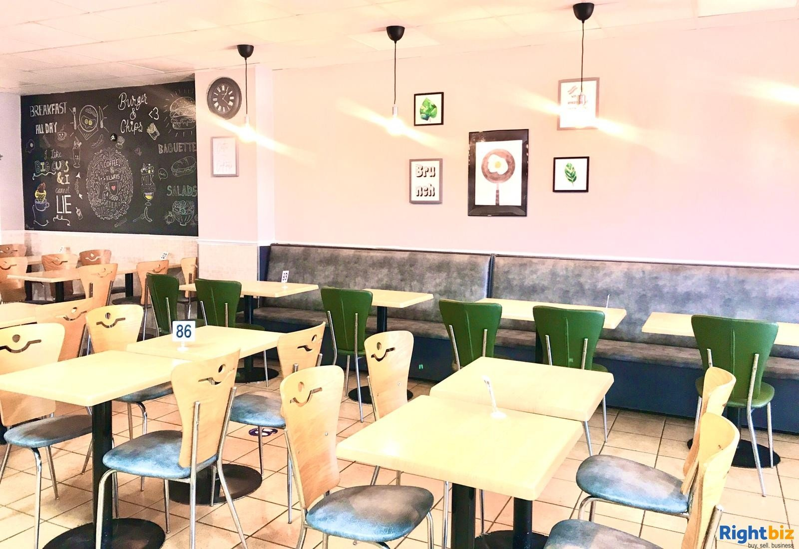 Busy Cafe/Restaurant for sale (120 seats), located on high street, with a large 2 bedroom flat - Image 5
